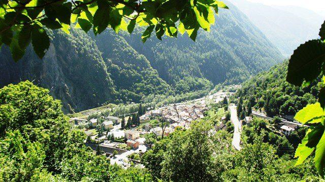 isola-village1