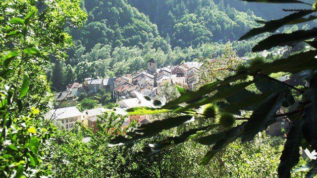 isola-village2